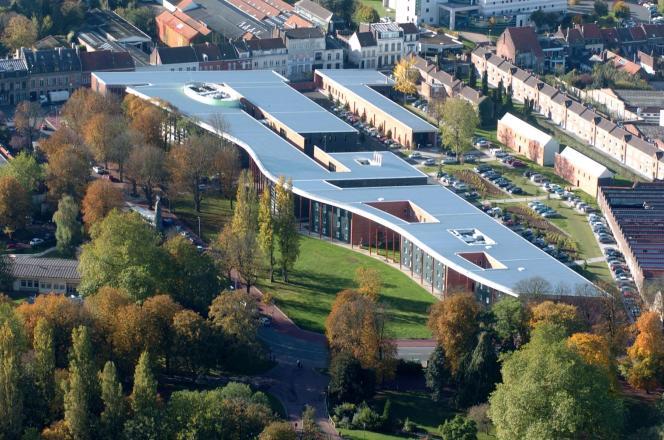 L'école nationale des douanes de Tourcoing.
