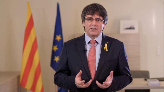 Carles Puigdemont, dans la vidéo diffusée le 1er mars, où il annonce renoncer «provisoirement» à briguer la présidence de la Catalogne.