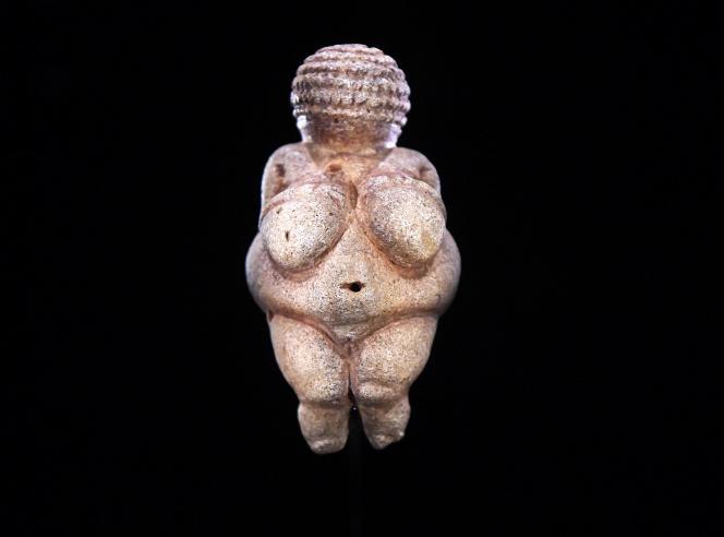La Vénus de Willendorf est exposée au Musée d'histoire naturelle de Vienne.