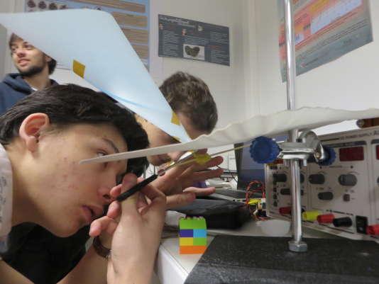 La licence pluridisciplinaire de sciences de l'institutVillebon - Georges Charpak fait la part belle à l'expérimentation.