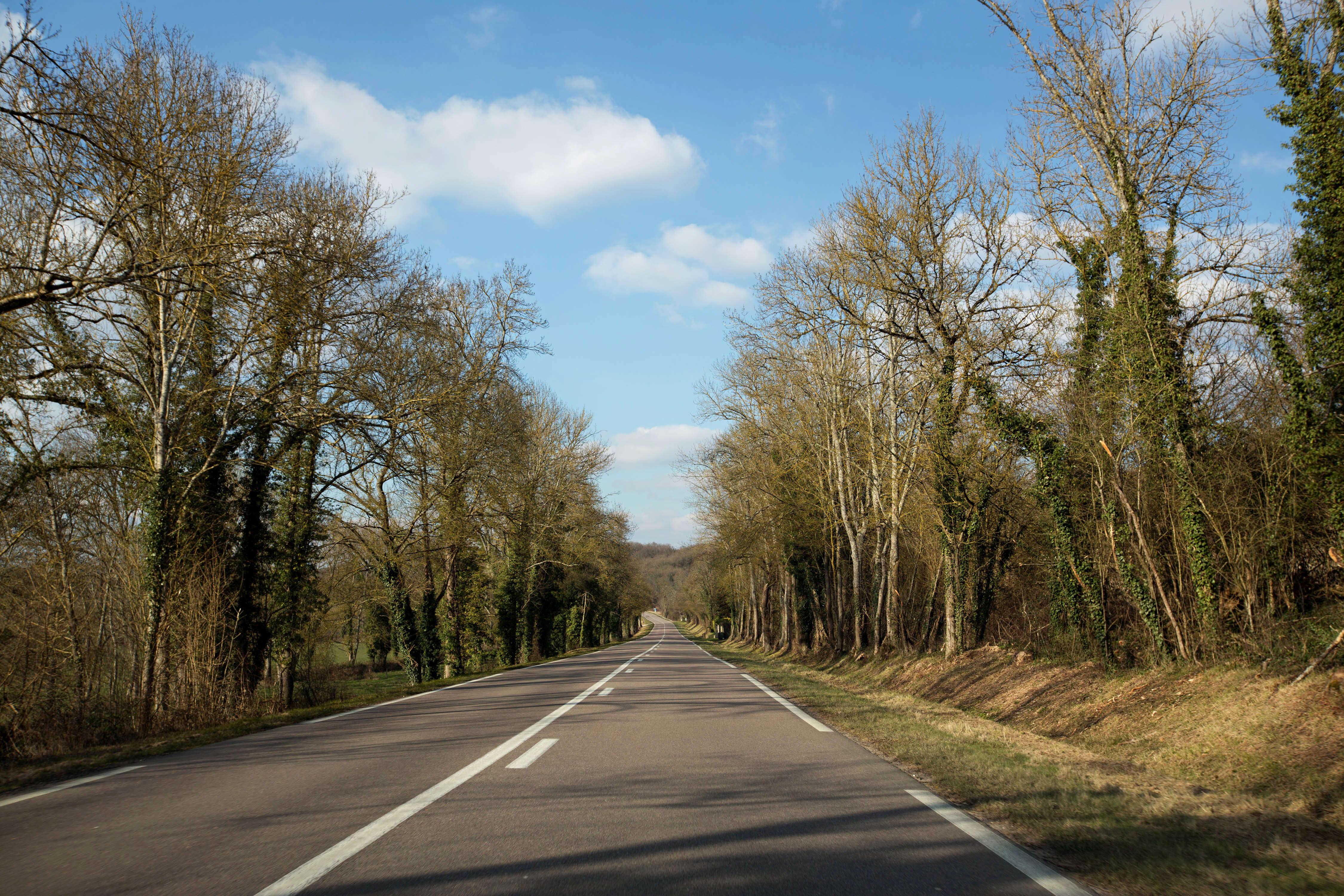 En cas de fermeture des urgences de nuit, c'est la route nationale qui relie Varzy à Auxerre en passant par Clamecy, qui sera empruntée pour mener les patients à l'hôpital, un tronçon qui expérimente la limitation à 80 km/h.