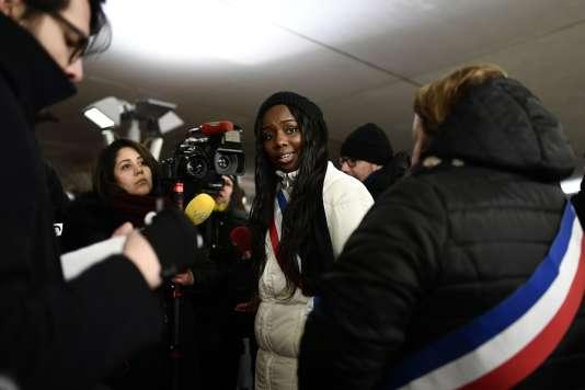 Mama Sy, maire adjointe LR chargée de la jeunesse à Etampes (Esssonne), mercredi soir 28 février, à Paris.