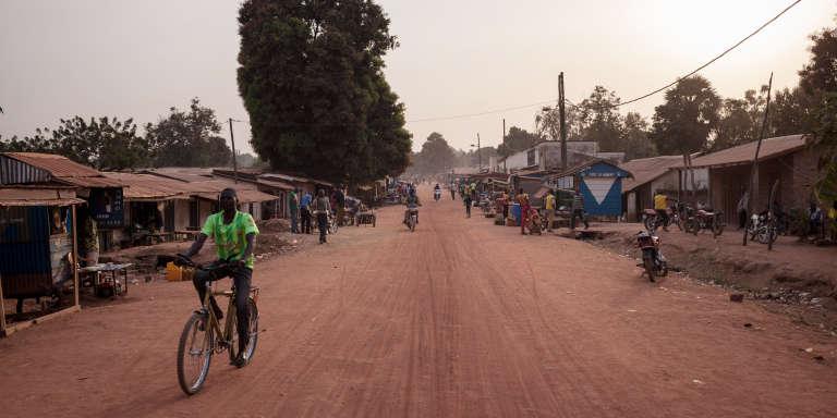 La principale avenue de Paoua, dans le nord-ouest de la Centrafrique, le 27 décembre 2017.