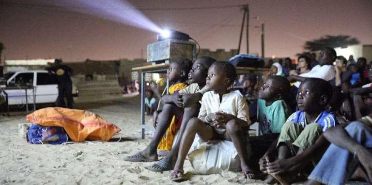Projection à Kaolack, au Sénégal, dans le cadre du festival Films Femmes Afriques, en mars 2016.
