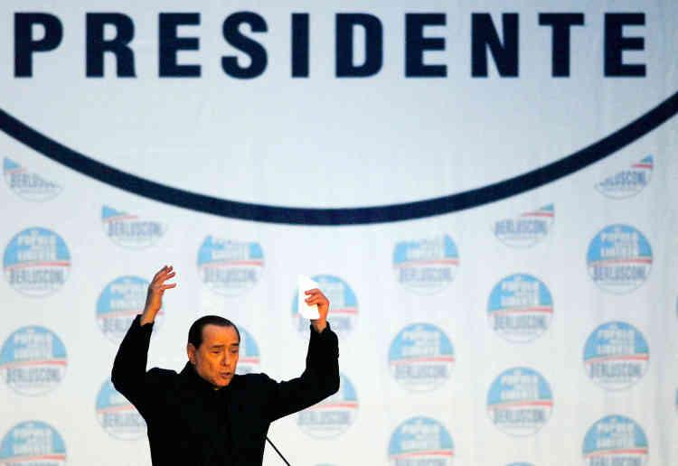 Campagne n° 5 : lors d'un meeting,à Naples, le 4 avril 2008. Quelques jours avant les élections générales.