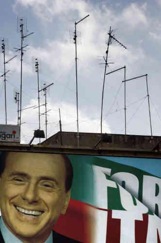 Campagne n° 4 : à Rome, le 15 février 2006. Les élections générales sont prévues les 9 et 10 avril.
