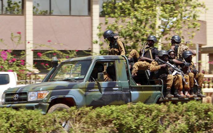 Huit personnes ont été tuées dans les attaques, selon le gouvernement.