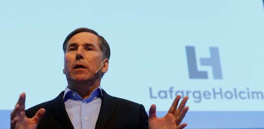 Jan Jenisch, le nouveau directeur général de LafargeHolcim, a présenté les résultats du cimentier à Zurich en Suisse, vendredi 2 mars.