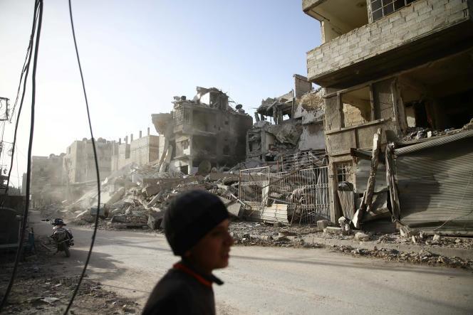 La ville de Douma dans la région de la Ghouta orientale près de Damas, après un bombardement, le 1er mars.