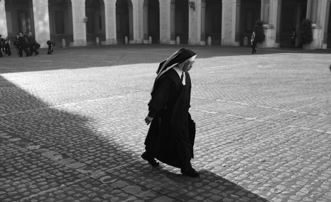 Une nonne au Vatican, en mai 2017.