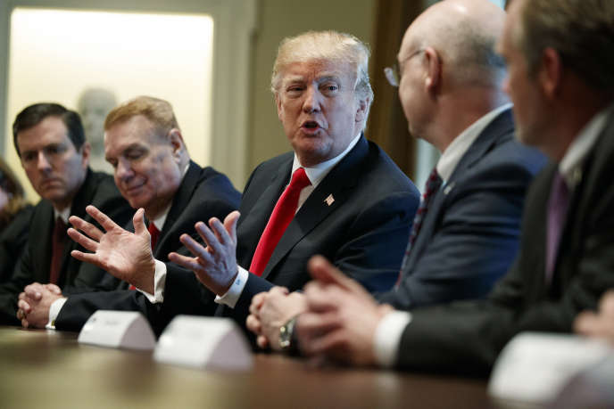 Donald Trump lors de la réunion d'urgence convoquée à la Maison Blanche, jeudi 1ermars.