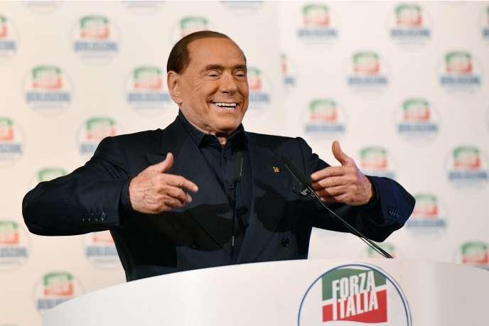 Silvio Berlusconi lors d'un meeting électoral à Milan, le 25 février.