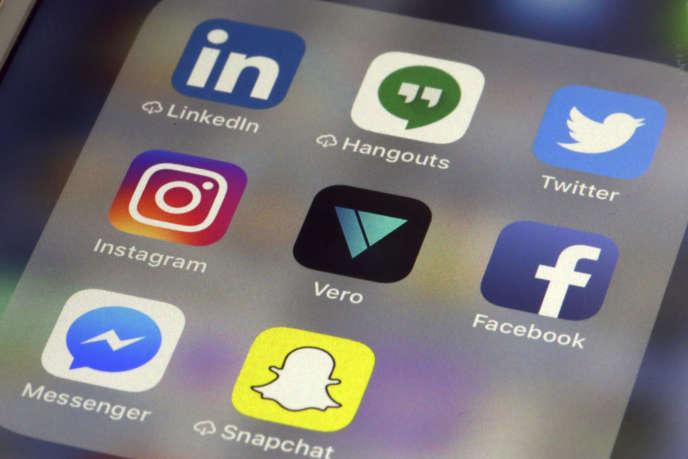 Plusieurs applications, comme Snapchat et Instagram, utilisent les services de Giphy.