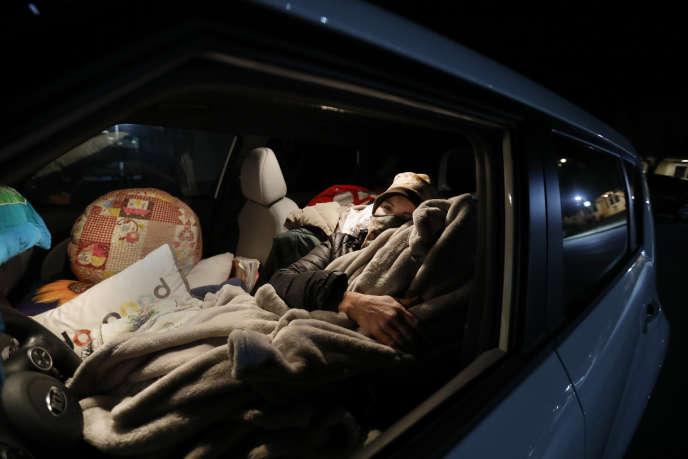 Marva Ericson, 48 ans, va dormir dans sa voiture sur un parking, à Santa Barbara (Californie), le 20 décembre 2017.