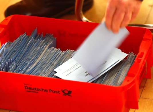 Le oui l'a emporté avec 66,02 % des suffrages, et quelque 78,4 % des 463 000 membres du SPD ont participé au vote.