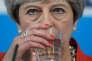 Le gouvernement conservateur de Theresa May (ici à Wrexham, au Pays de Galles, le 22 mai 2017) hausse le ton contre les entreprises qui gèrent la distribution de l'eau au Royaume-Uni.