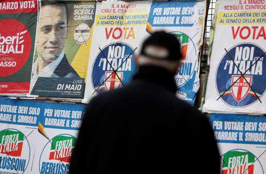Ouverture des bureaux de vote en italie pour des législatives à l