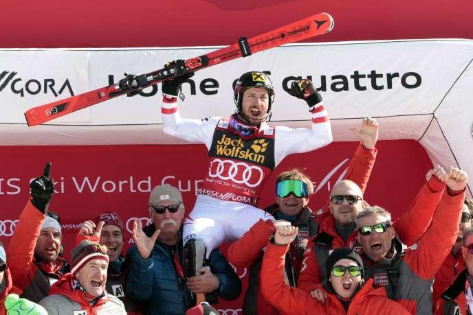 Double champion olympique, Marcel Hirscher a remporté en Slovénie son septième gros globe de cristal