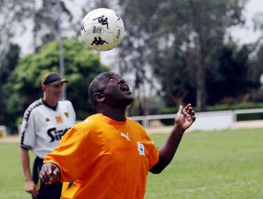 Pierre Nkurunziza est aussi très bon pour jongler de la tête.