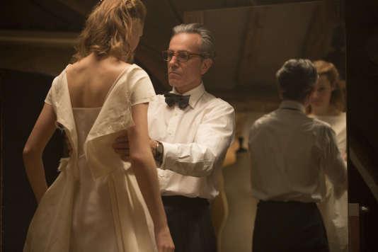 Vicky Krieps et Daniel Day-Lewis dans «Phantom Thread», réalisé par Paul Thomas Anderson.