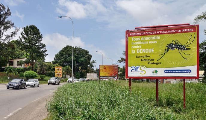 A Cayenne, en Guyane française, une campagne d'affichage destinée à alerter la population, en 2013.