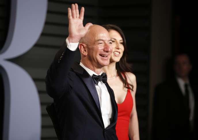 Jeff Bezos, le président-directeur général d'Amazon, est considéré comme l'homme le plus riche du monde par le magazine «Forbes».