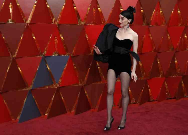 L'artiste St. Vincent a été élue« la plus mal habillée» sur le tapis rouge par le «LA Times».