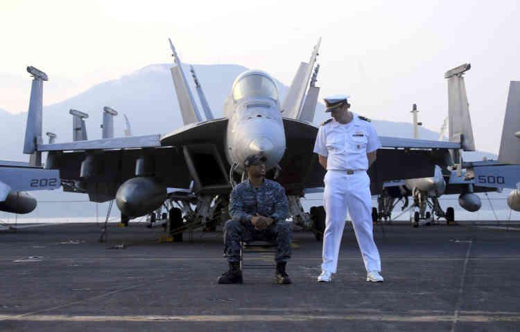 L'USS «Carl Vinson» abrite 5 300 marins, pilotes et membres d'équipage et 72 avions.