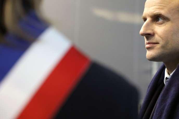 Emmanuel Macron, à Villetaneuse (Seine-Saint-Denis), le 27 février.