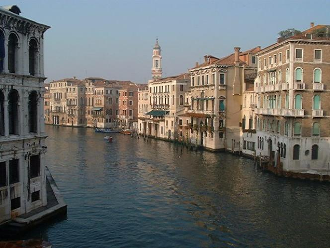 Un canal de Venise aujourd'hui. Mais il y a mille ans?