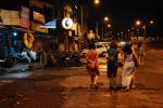 A Bombay, en Inde, des femmes organisent des marches de nuit au sein de l'association Why Loiter (Pourquoi flâner) pour se réapproprier les rues de la ville.