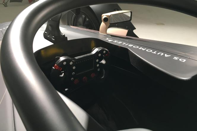 Le halo (système de protection frontaledu cockpit) imposé par la FIA pour la saison 2018 en F1, l'est également en FE à partir de la saison 5.