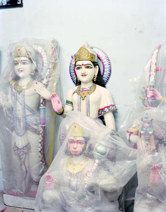 Atelier de sculpture à Bhedaghat (Madhya Pradesh), 2015. Photographie extraite de la série «A Myth of Two Souls».