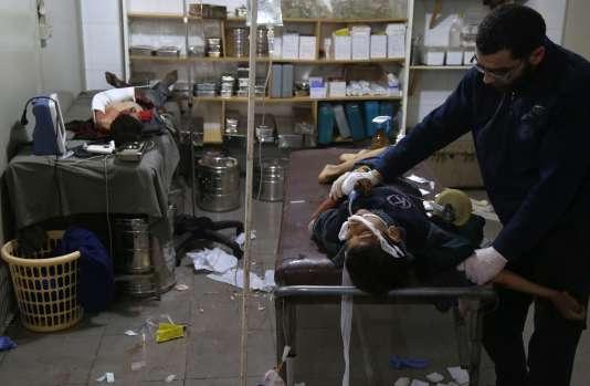 Dans un hôpital de fortune à Kafr Batna, dans la région syrienne de la Ghouta orientale, le 5 mars.