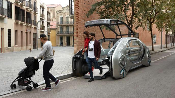 Présentation promotionnelle de lavoiture concept de Renault EZ-Go, dévoilée à Genève le 6 mars.