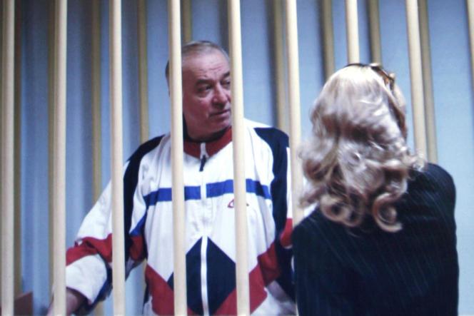 Sergueï Skripal lors de son procèspour espionnage au profit des services secrets britanniques, à Moscou, le 9 août 2006.