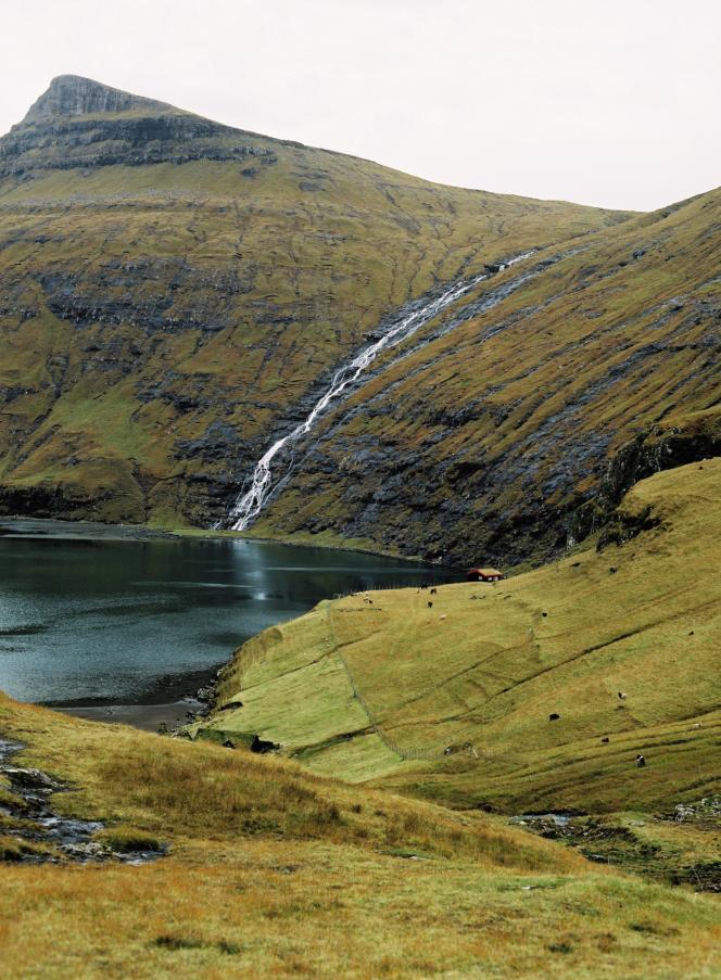Saksun, dans le nord de Streymoy, la plus grande et la plus peuplée des 18 îles que compte l'archipel.
