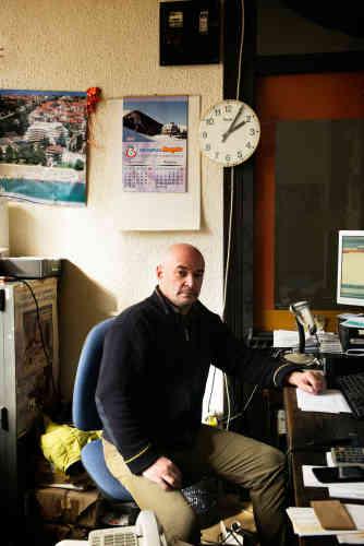 Zoran Ilic, 56 ans, dernier facteur du bureau de poste de l'hôtel Narcis :«C'était du tourisme d'élite ici, il y avait des championnats de ski.»