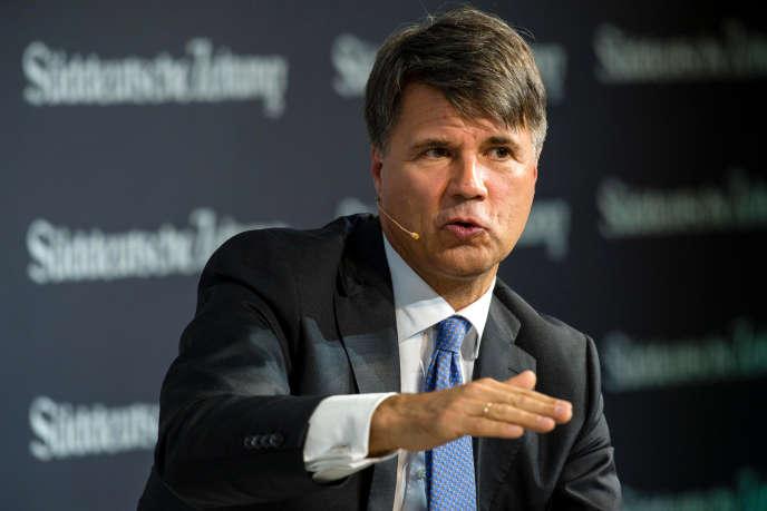 Harald Krüger, le président du constructeur automobile allemand BMW, à Berlin, le 17 novembre 2016.