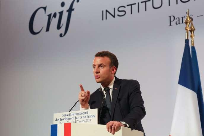 Emmanuel Macron, le 7 mars, au dîner du CRIF à Paris.