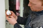Neige en plastique tombée du ciel : la curieuse théorie complotiste qui fleurit sur internet