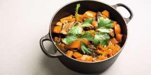 Lebœuf aux carottes doit certes être laissé à mijoter longuement, mais il n'exige que 20 minutes de préparation.