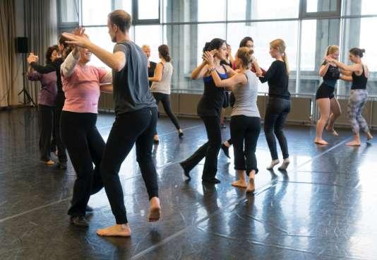 Un atelier de danse au CND de Pantin.