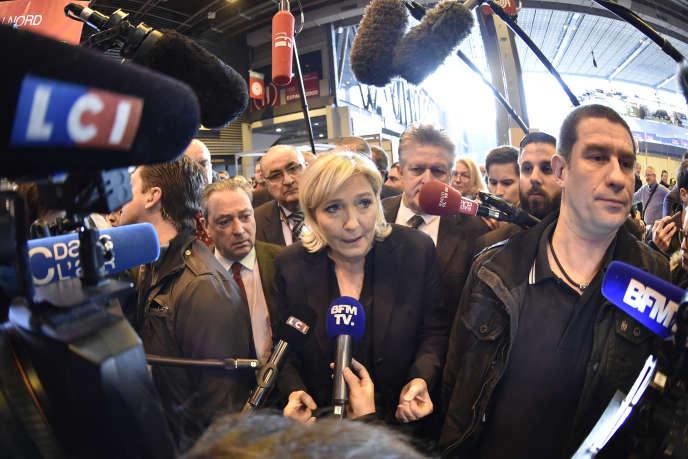 La présidente du Front national, Marine Le Pen, au Salon de l'agriculture, à Paris, le 28février.
