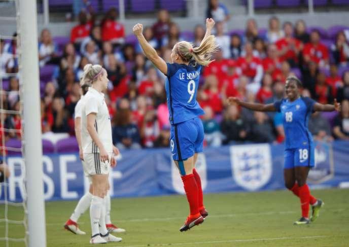Eugénie Le Sommer a marqué le deuxième but français mercredi7mars contre l'Allemagne.