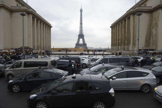Bruxelles a mis en demeure la France en juin 2015 pour dépassement des valeurs limites de dioxyde d'azote sur 19zones, dont la région parisienne.