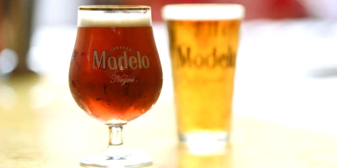 La consommation moyenne journalière des personnes buvant de l'alcool correspond à 33 grammes d'alcool pur, soit l'équivalent d'une bouteille de bière (750 ml).