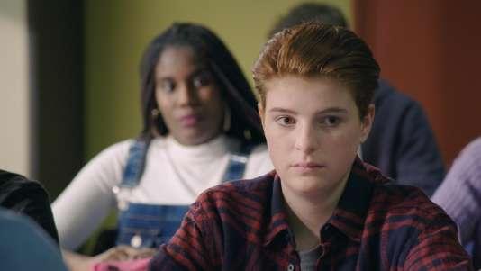 Dans l'épisode du vendredi 9 mars de « Plus belle la vie », Clara, 15 ans, fait son coming out trans.