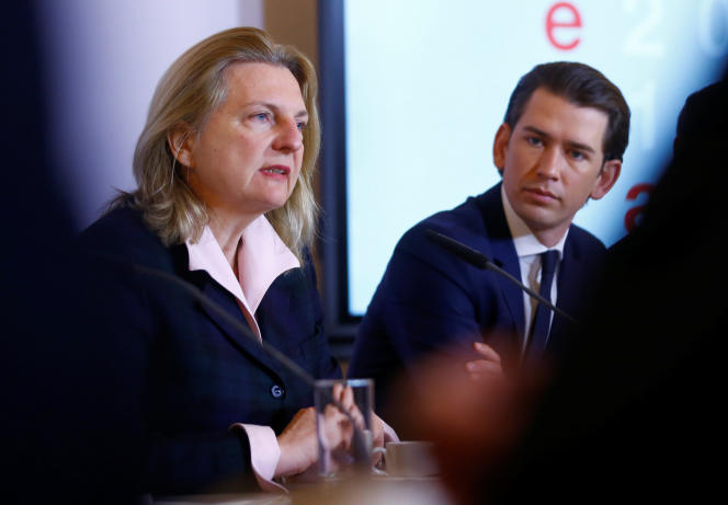 La ministre autrichienne des affaires étrangères,Karin Kneissl (nommée sur proposition du parti d'extrême droite FPÖ) et le chancelierSebastian Kurz, le 9 mars à Vienne.
