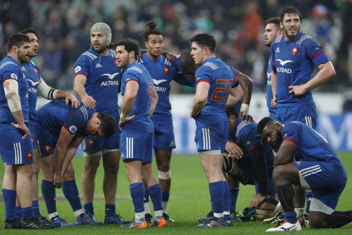 Rugby Le deuxième ligne du XV de France, Paul Gabrillagues, ici débout tout à droite.